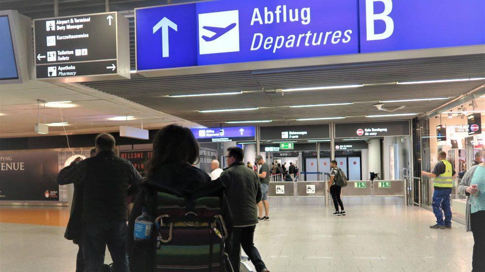 Am Flughafen Frankfurt Richtung Mexiko