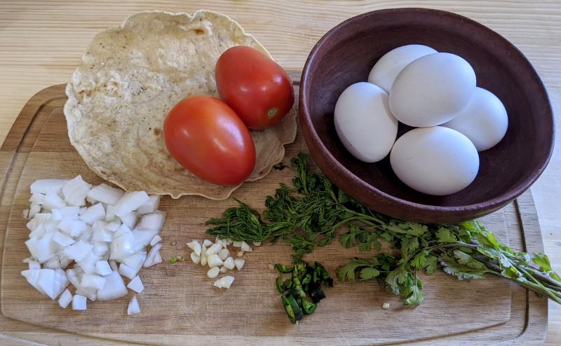 Zutaten - Rezept Huevos a la Mexicana – Mexikanisches Rührei