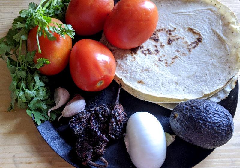 Zutaten 1 - Rezept für vegane/vegetarische Sopa de Tortilla